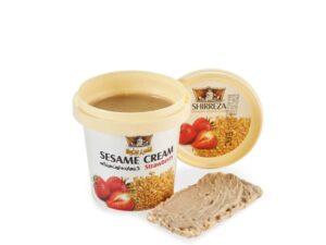 Кунжутная паста-крем с клубникой
