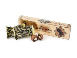 Аджва в шоколаде с миндалем подарочная коробка